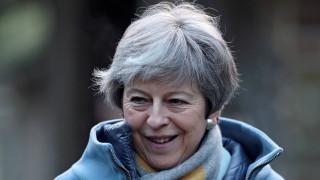Brexit: «Ελιγμός» Μέι μέσω… Ιρλανδίας για να αποφύγει το σκόπελο της ΕΕ