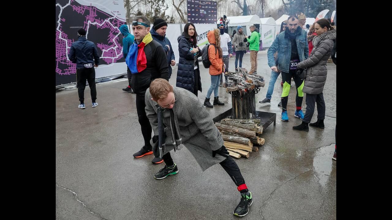 https://cdn.cnngreece.gr/media/news/2019/01/21/162775/photos/snapshot/2019-01-21T123937Z_1756200743_RC13DB1A9700_RTRMADP_3_MOLDOVA-WINERUN.jpg