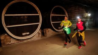 Αγώνας ταχύτητας μέσα στο μεγαλύτερο κελάρι στον κόσμο! (pics&vid)