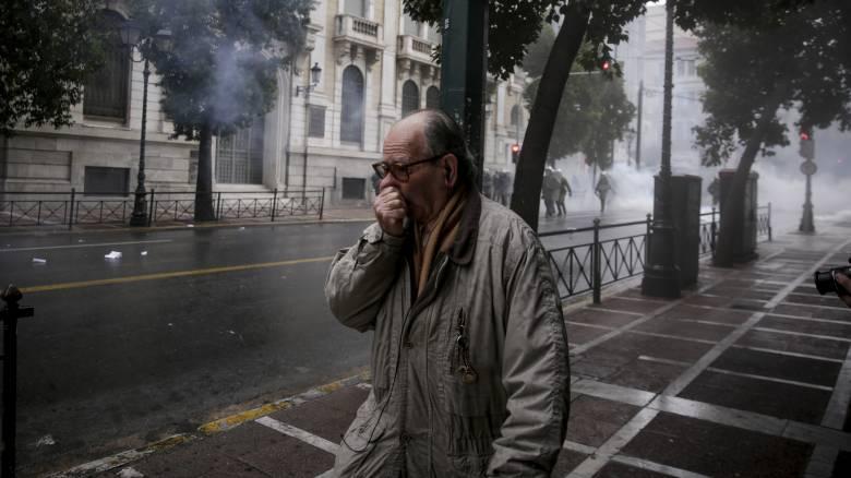 Ένωση Ελλήνων Χημικών σε Τσίπρα: Τα δακρυγόνα είναι χημικά όπλα, μπορούν ακόμα και να σκοτώσουν