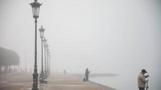 Θεσσαλονίκη: Πυκνό πέπλο ομίχλης καλύπτει την πόλη