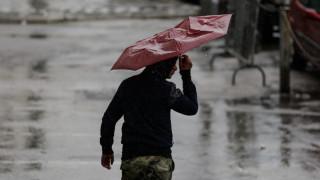 Καιρός: Ήρθε ο «Φοίβος» και έφερε χαλάζι, καταιγίδες και χιόνια