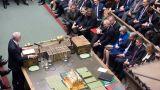 Συνεχίζεται  το χάος στη Βρετανία: Αντιπαράθεση Μέι-Κόρμπιν σε υψηλούς τόνους