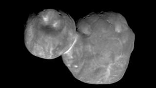 Το κοντινότερο καρέ της Έσχατης Θούλης από τη NASA – Εντυπωσιάζει το σχήμα… χιονάνθρωπου