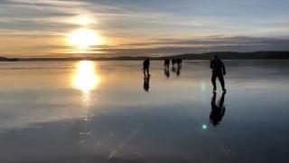 Το απόκοσμο «τραγούδι» μιας παγωμένης λίμνης στη Νορβηγία