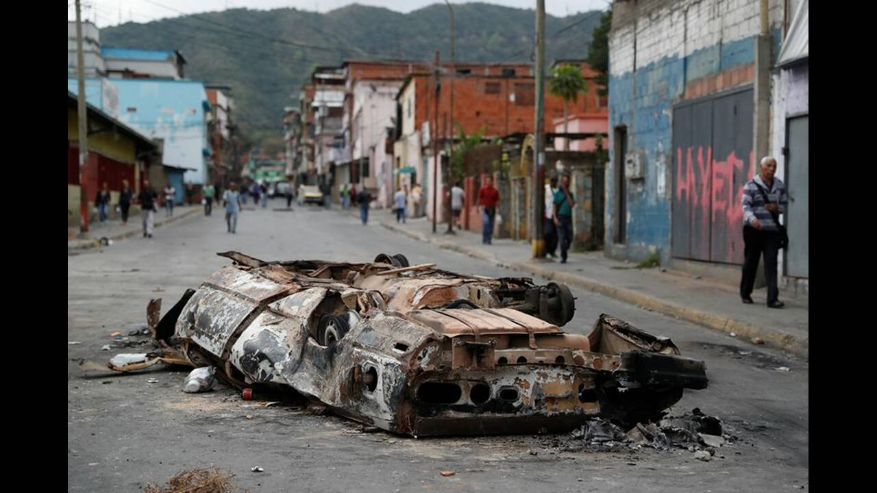 https://cdn.cnngreece.gr/media/news/2019/01/26/163379/photos/snapshot/2019-01-24T140341Z_1501918027_RC122821E910_RTRMADP_3_VENEZUELA-POLITICS.JPG
