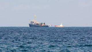 Το πλοίο Sea Watch με τους με 47 μετανάστες παραμένει στα ανοικτά των Συρακουσών
