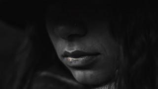 Ο εφιάλτης μιας 30χρονης που πήγε να βρει τον έρωτα της ζωής της και κατέληξε «σκλάβα του σεξ»