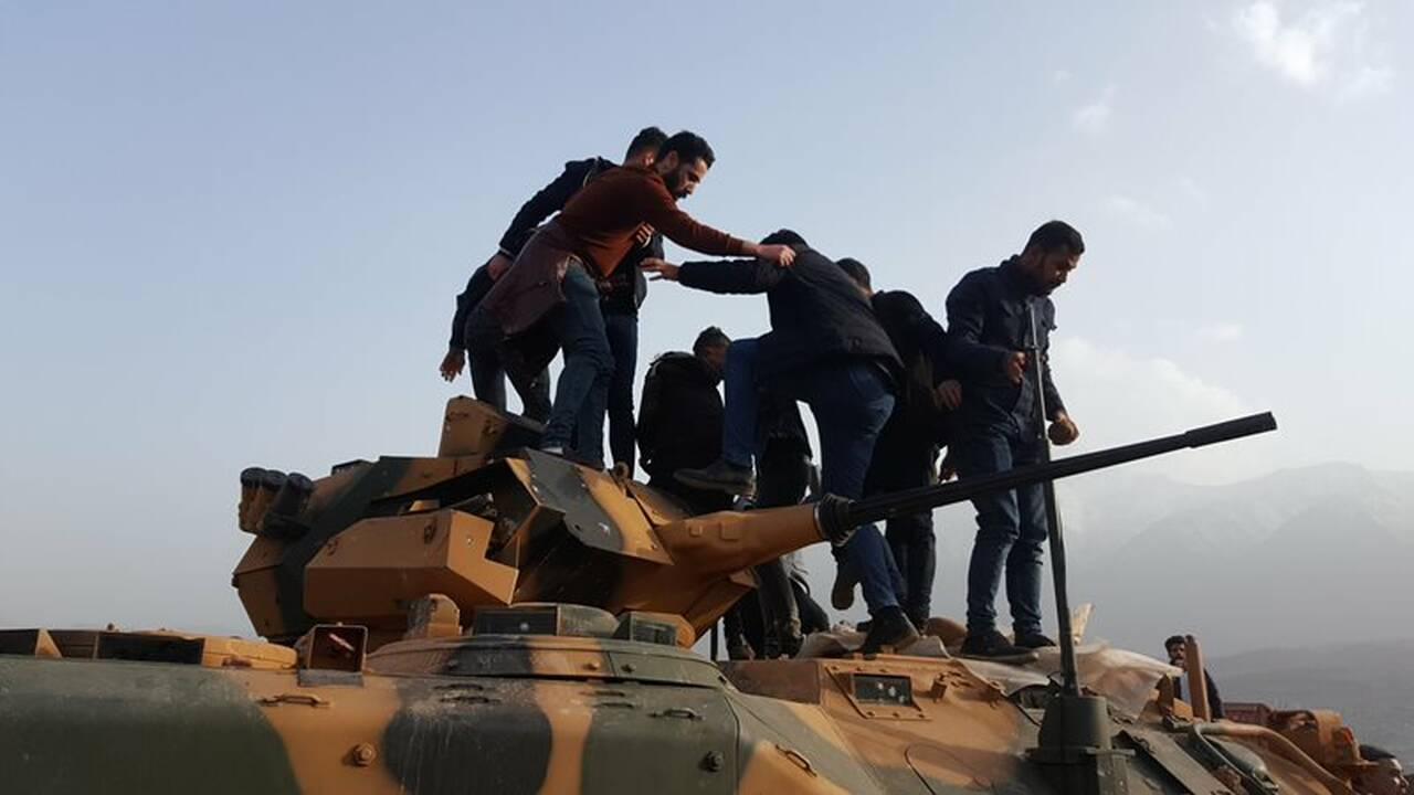 https://cdn.cnngreece.gr/media/news/2019/01/26/163441/photos/snapshot/2019-01-26T164039Z_63139944_RC1829F84590_RTRMADP_3_TURKEY-IRAQ-SECURITY.JPG