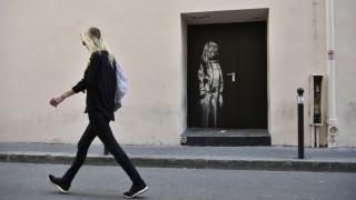 «Καπνός» το έργο του Banksy στο Μπατακλάν: Σήκωσαν ολόκληρη την πόρτα οι δράστες