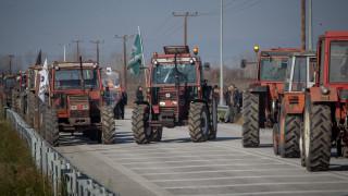 «Πρεμιέρα» για τις αγροτικές κινητοποιήσεις: Τρακτέρ στον κόμβο της Κουλούρας