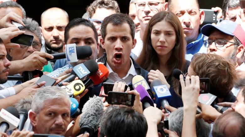 Γκουαϊδό καλεί Τσίπρα: Έλα να μείνεις μια εβδομάδα στη Βενεζουέλα με τον κατώτατο μισθό του Μαδούρο