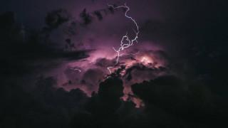 Καιρός: Νέο βαρομετρικό χαμηλό με βροχές, χαλάζι και σκόνη «σκεπάζει» από ώρα σε ώρα τη χώρα