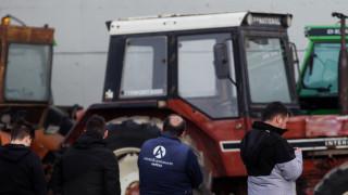 Στους δρόμους οι αγρότες: Κλειστή στον κόμβο της Νίκαιας παραμένει η Ε.Ο. Αθηνών - Θεσσαλονίκης