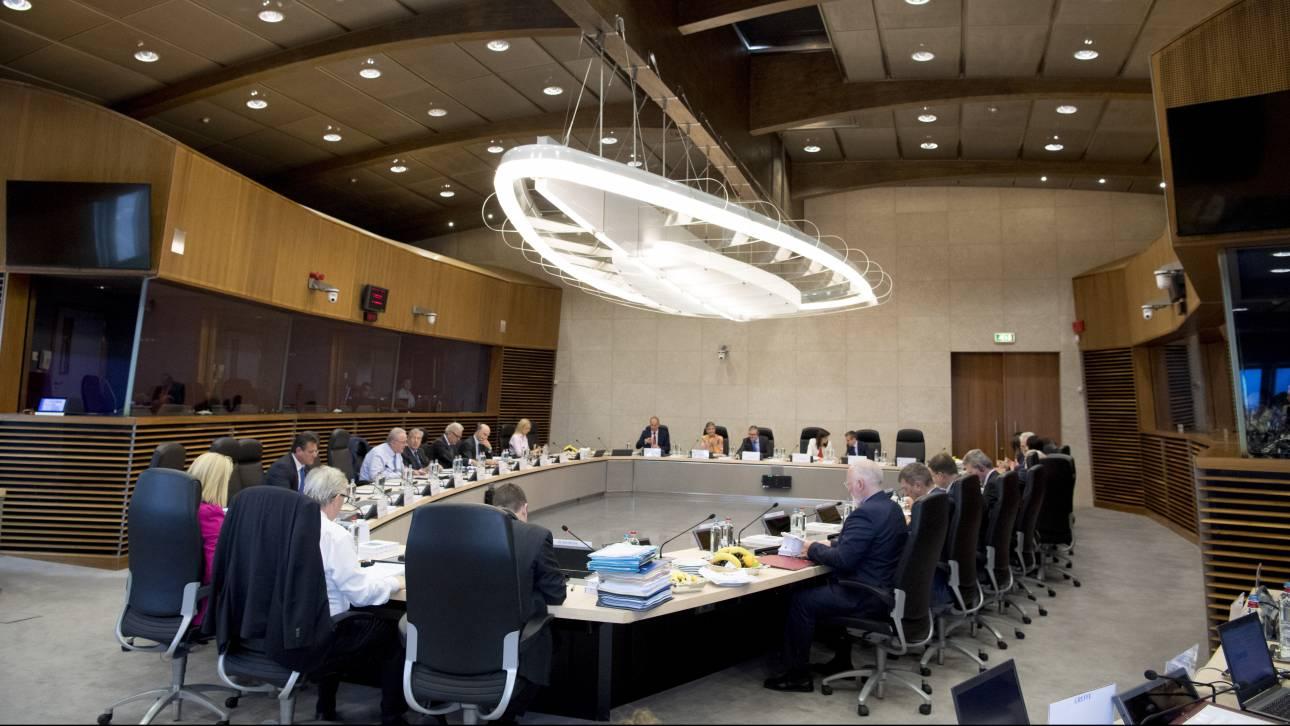 Τι ζητά από τους κολοσσούς πληροφορικής η ΕΕ ενόψει ευρωεκλογών