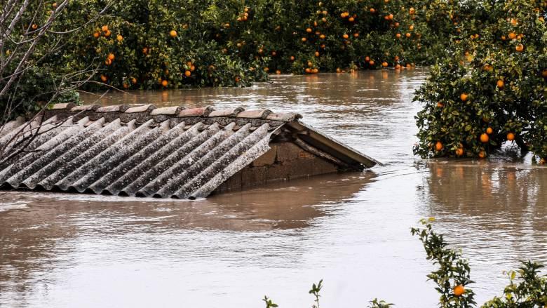 Καιρός: Διαδοχικά κύματα βροχοπτώσεων - Κίνδυνος για νέες πλημμύρες