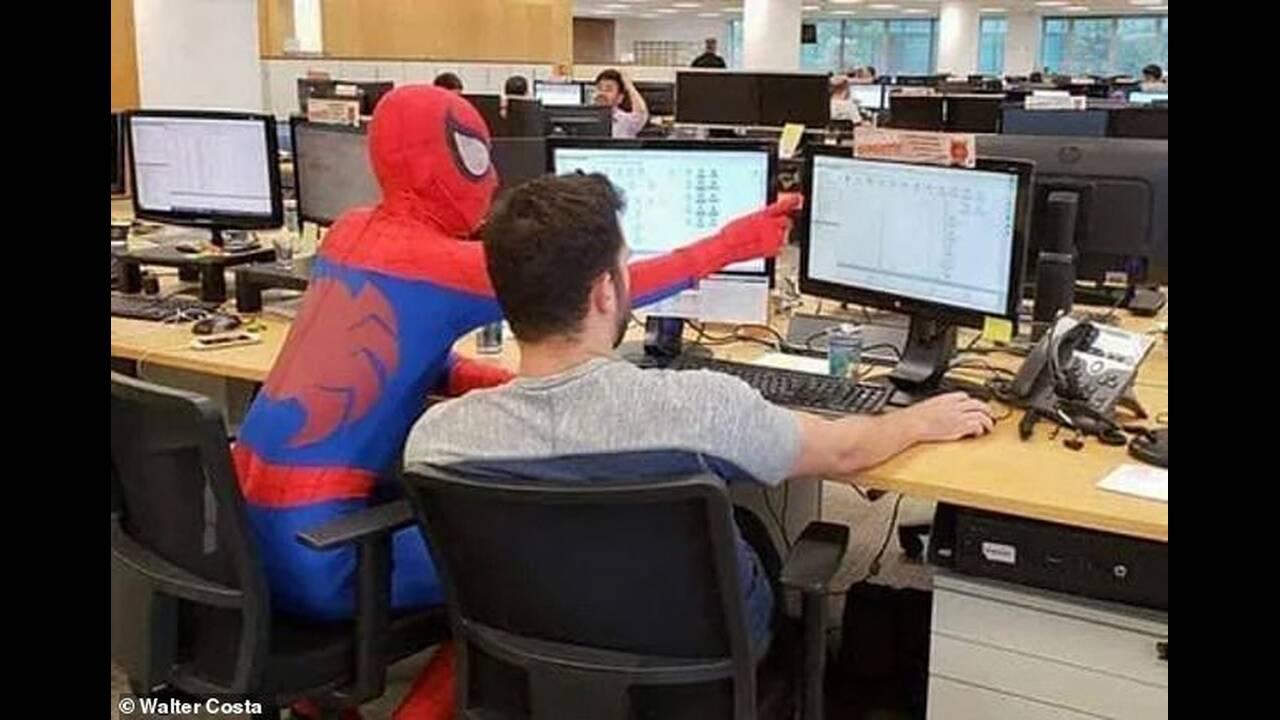 https://cdn.cnngreece.gr/media/news/2019/01/29/163788/photos/snapshot/spiderman2.jpg