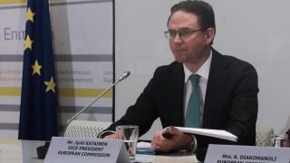 Κατάινεν: Η Ελλάδα έχει δικαίωμα να αυξήσει τους μισθούς, αλλά να αυξήσει και τις θέσεις εργασίας