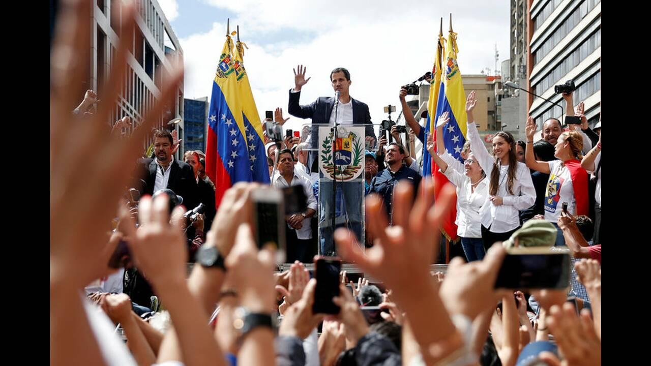 https://cdn.cnngreece.gr/media/news/2019/01/30/163817/photos/snapshot/2019-01-23T185716Z_1327041096_RC17D812BBB0_RTRMADP_3_VENEZUELA-POLITICS.jpg