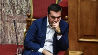 Ο Τσίπρας «ζυγίζει» τα υπέρ και τα κατά για τον χρόνο των εκλογών
