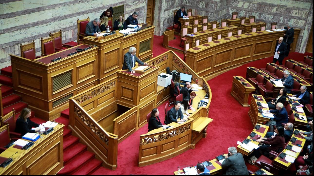 Κοινοβουλευτικές «αλχημείες» για τα απαραίτητα 151 «Ναι»