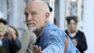 Ο Τζον Μάλκοβιτς θα υποδυθεί τον Γουαϊνστάιν σε θεατρικό έργο
