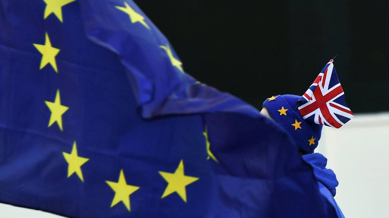 Brexit: Εγκρίθηκαν τα «μέτρα έκτακτης ανάγκης»