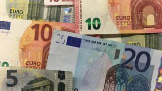 Κατώτατος μισθός: Αυξάνονται οι εισφορές - Ποιοι θα πληρώνουν έως και 300 ευρώ το μήνα