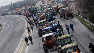 Ανυποχώρητοι από το μπλόκο της Νίκαιας οι αγρότες - Σύσκεψη για διοργάνωση συλλαλητηρίου
