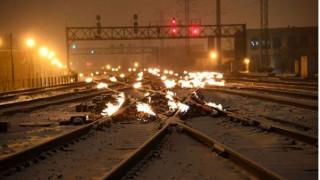 Στο Σικάγο βάζουν φωτιά στις γραμμές των τραίνων – Όμως, γιατί;