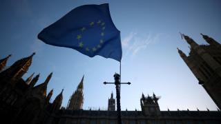 Δύσκολο το «διαζύγιο»: Επαναδιαπραγμάτευση για θέλει το Λονδίνο - «Κλειστή η πόρτα» από την Ε.Ε.
