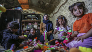 ΠΟΥ: Νεογέννητα και παιδιά πεθαίνουν από το κρύο σε καταυλισμό της Συρίας