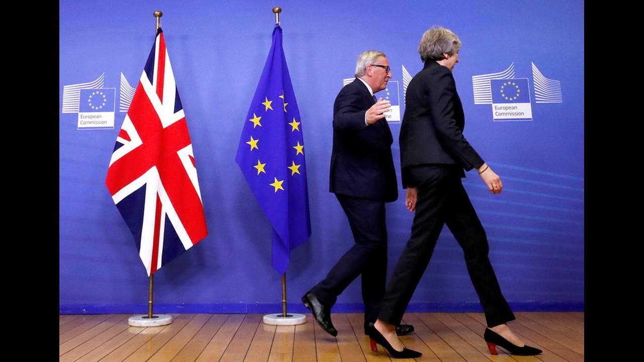 https://cdn.cnngreece.gr/media/news/2019/02/01/164148/photos/snapshot/2018-11-21T170749Z_1538309840_RC173CE06D30_RTRMADP_3_BRITAIN-EU.jpg