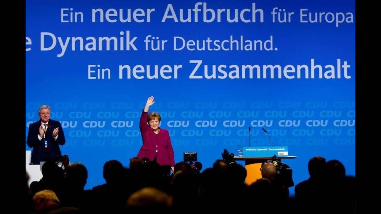 https://cdn.cnngreece.gr/media/news/2019/02/01/164166/photos/snapshot/2018-10-29T092952Z_1741182238_RC14FDE57900_RTRMADP_3_GERMANY-POLITICS-MERKEL.jpg