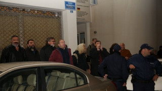 Αποδοκίμασαν Τζανακόπουλο και Δανέλλη στην Κρήτη: «Είστε προδότες και προσκυνημένοι»