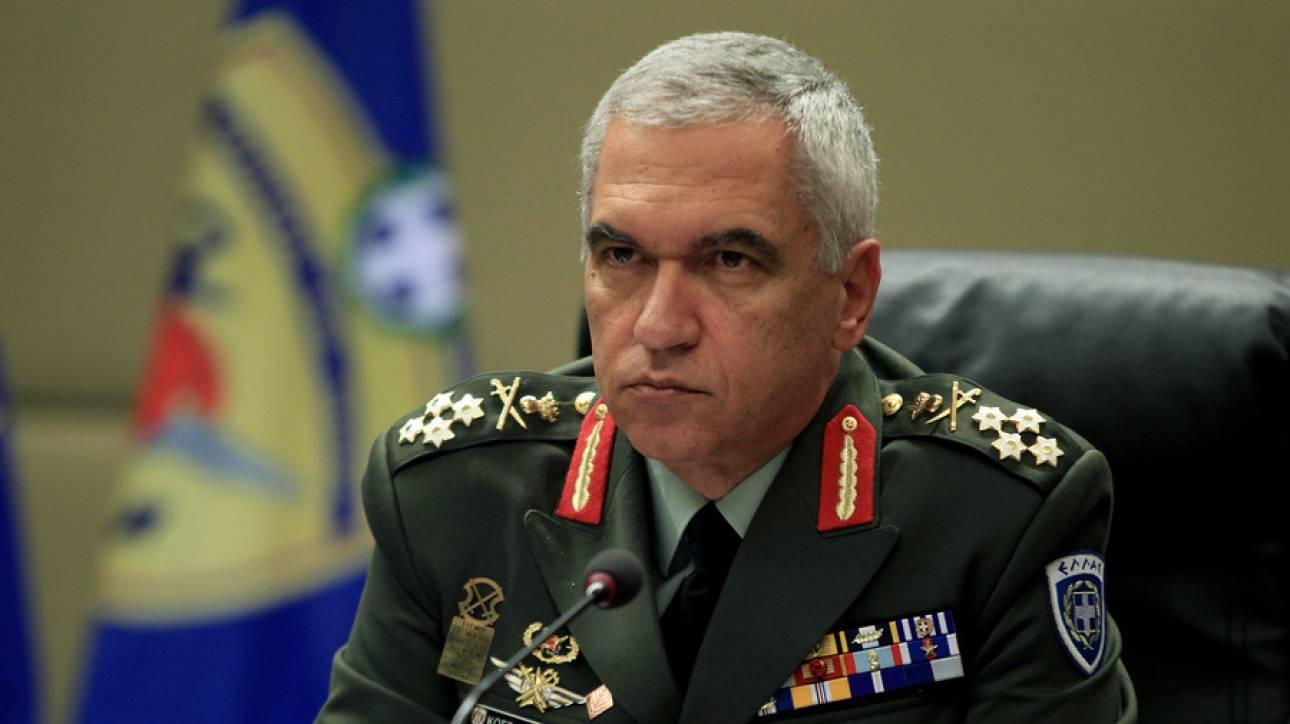 Στρατηγός Κωσταράκος: Πολιτική πράξη η κατάργηση διακριτικών από τις στολές των Ενόπλων Δυνάμεων