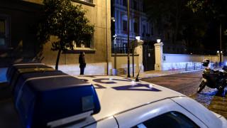 Δεκατρείς προσαγωγές μετά την επίθεση του Ρουβίκωνα στην ιταλική πρεσβεία