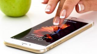 Σε πιο ακριβά κινητά στρέφονται οι Έλληνες καταναλωτές