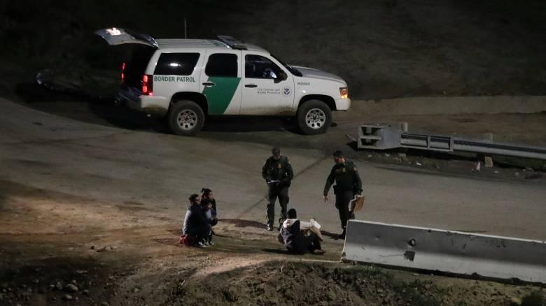 Οι ΗΠΑ ενισχύουν τις στρατιωτικές δυνάμεις τους στα σύνορα με το Μεξικό