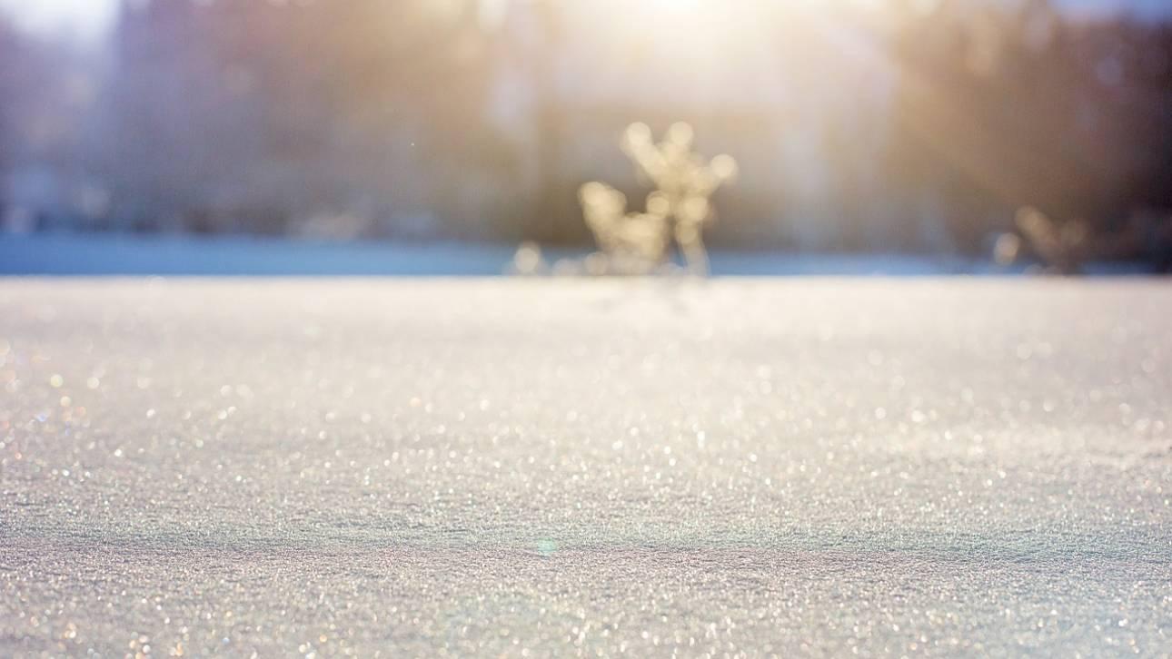 Σπάνιο φαινόμενο χιονιού σε χωράφι στο Marlborough της Μεγάλης Βρετανίας