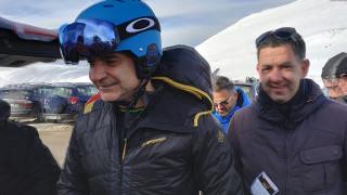 Περιοδεία με σκι για τον Κυριάκο Μητσοτάκη στη Στερεά Ελλάδα