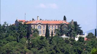 Μητροπολίτης Προύσης Ελπιδοφόρος: Η επίσκεψη Τσίπρα στη Χάλκη σηματοδοτεί εξελίξεις για τη σχολή