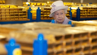 Η Ελισάβετ αναζητά μπάτλερ αλλά δεν προσφέρει… βασιλικό μισθό