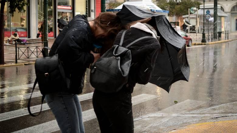 Καιρός: Ραγδαία επιδείνωση τις επόμενες ώρες - Πού αναμένονται καταιγίδες και χαλάζι