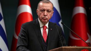 Liberation για τους «οκτώ» στρατιωτικούς: Κυνηγός κεφαλών σε κακοστημένο γουέστερν ο Ερντογάν