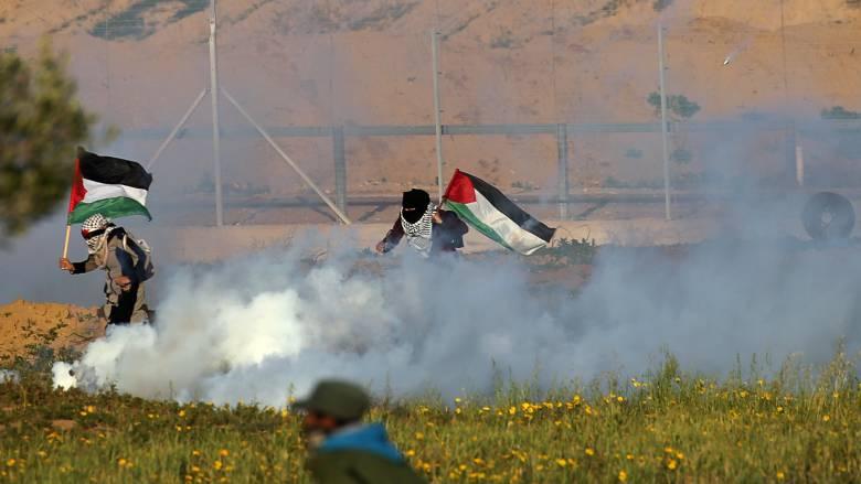Ένας 14χρονος νεκρός και επτά τραυματίες από ισραηλινά πυρά στη Λωρίδα της Γάζας