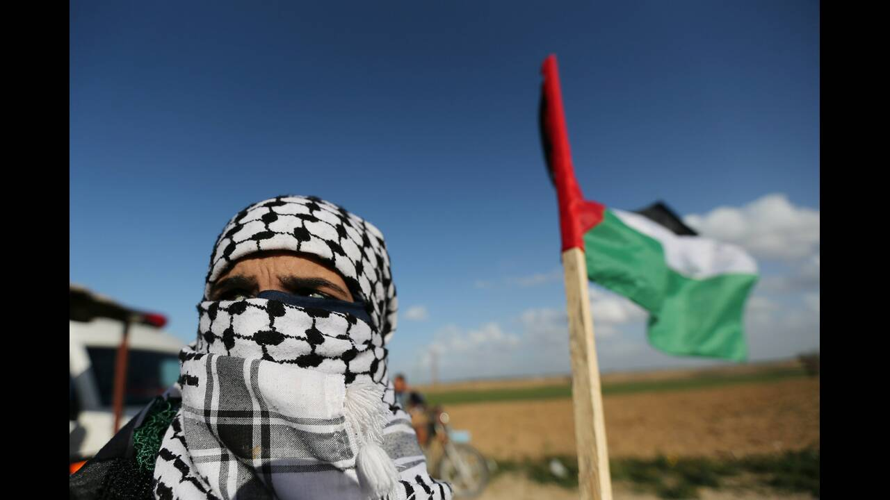 https://cdn.cnngreece.gr/media/news/2019/02/08/165020/photos/snapshot/2019-02-08T140014Z_1748302926_RC176C52F4E0_RTRMADP_3_ISRAEL-PALESTINIANS-PROTESTS.JPG