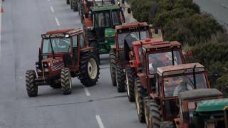 Κλιμακώνουν τις κινητοποιήσεις τους οι αγρότες: Έκλεισαν τα Τέμπη