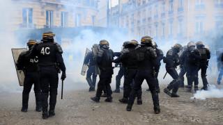 Κίτρινα Γιλέκα: Αιματηρά επεισόδια κατά το 13ο Σάββατο διαδηλώσεων - Ακρωτηριάστηκε διαδηλωτής