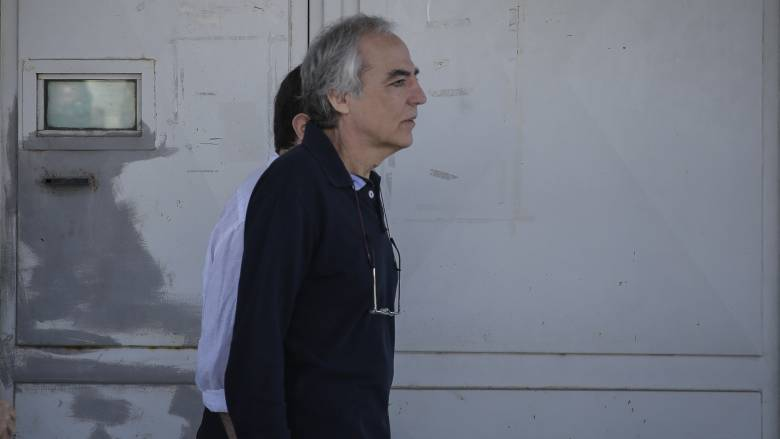 Τι απαντά το υπουργείο Δικαιοσύνης για τη «νέα άδεια στον Κουφοντίνα»